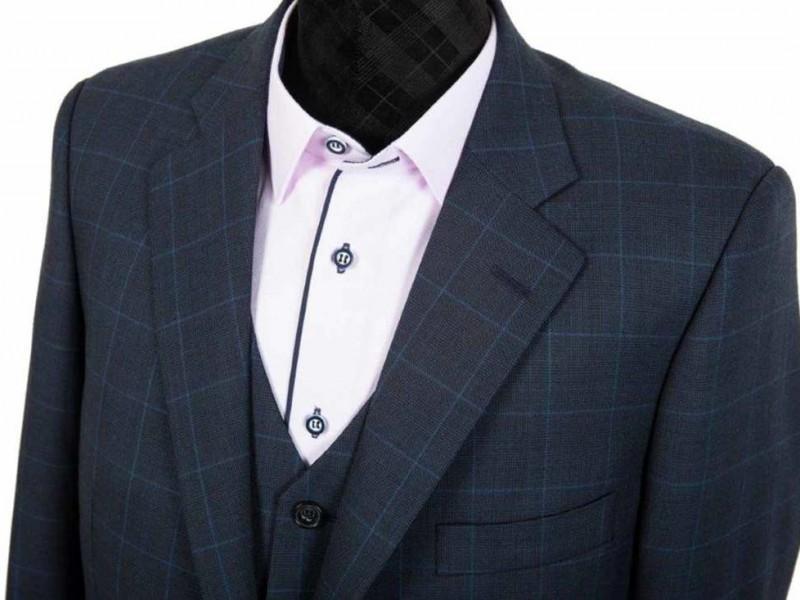 czarny garnitur w kratke