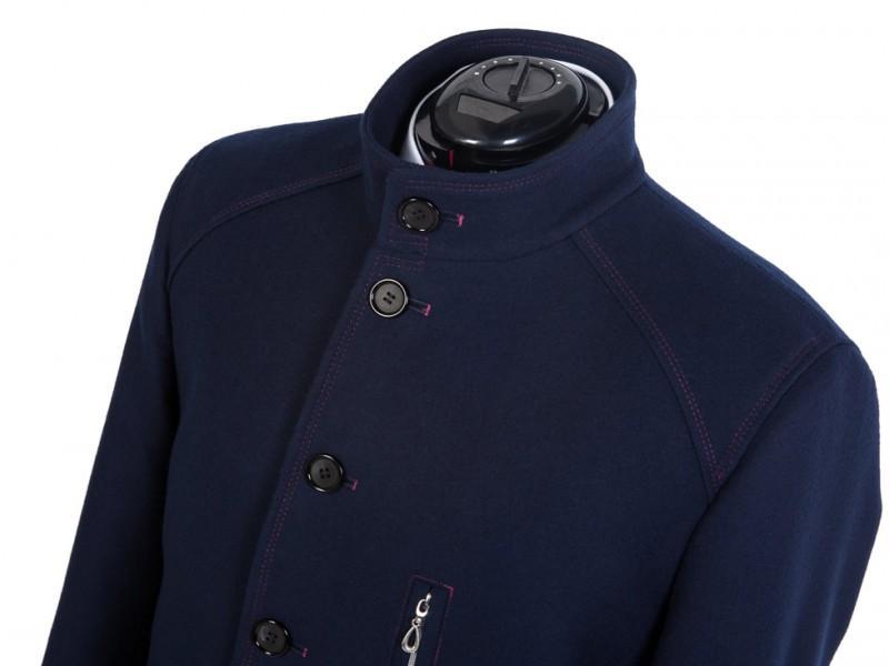 granatowy płaszcz męski